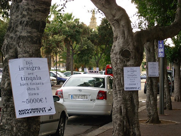 Stop indiscriminate uprooting of trees - Moviment Graffitti