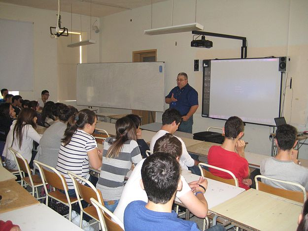 Talk on traffic & its dangers held at Sir M. A. Refalo Centre