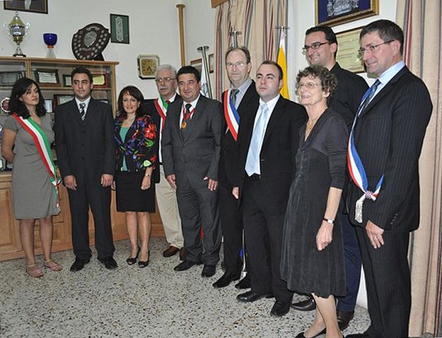 Xaghra Council signs twinning agreements with Mergo and Chevaigné