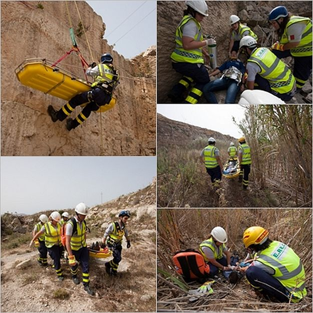 E.R.R.C. volunteers participate in a Gozo training simulation
