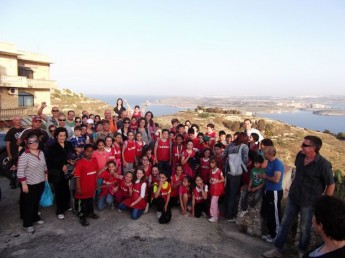 Eco-walk for students, parents and staff of Nadur Primary