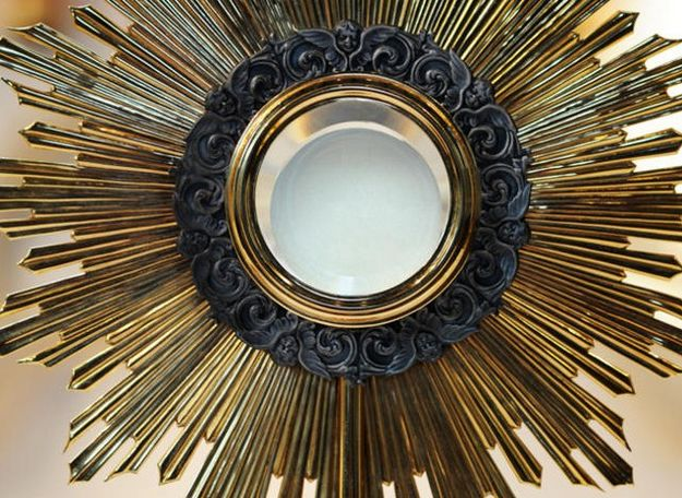 Worldwide, simultaneous Eucharistic adoration on June 2nd