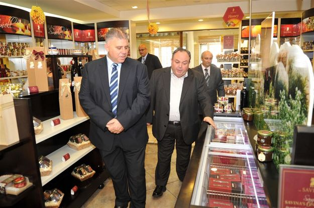 Minister for Gozo pays official vist to the Magro Food Village