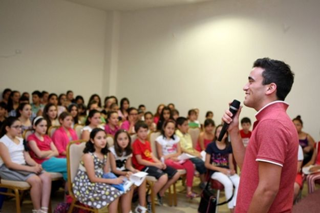 Gianluca Bezzina visits Joseph Calleja BOV Children's Choir