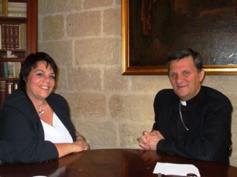 MEP discusses social issues with Bishop and Dar Emmaus