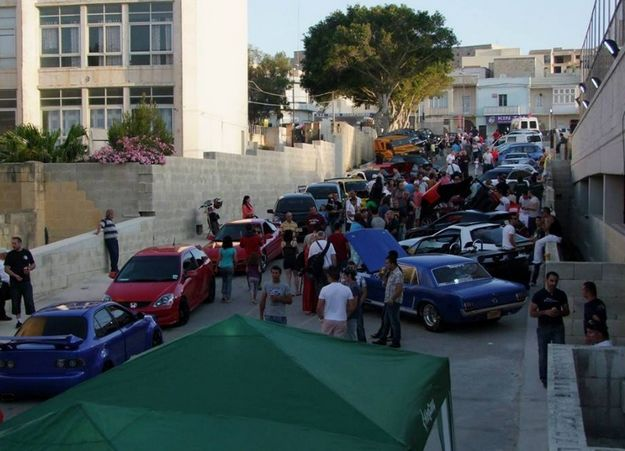 Gozo Autofest raises €1500 in aid of the Arka Foundation