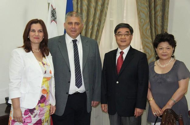 Chinese Ambassador pays courtesy visit to Gozo Minister