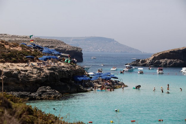3 people suffer spinal injuries after rock jumping at Comino