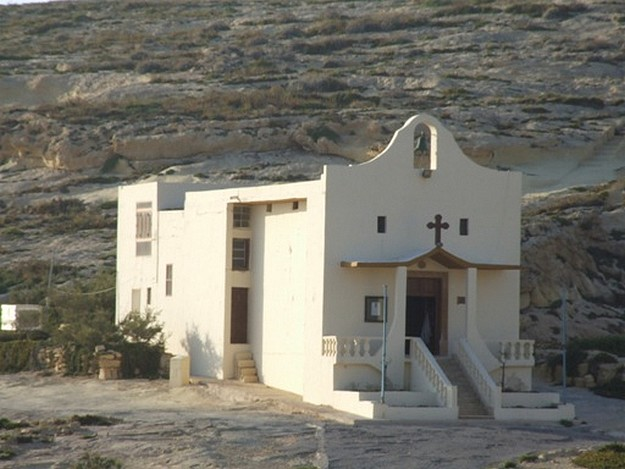 Cultural outing for Xaghra elderly to Saint Anne's Chapel