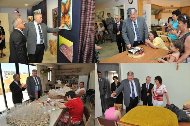 Gozo Minister visits the Santa Marta Day Centre in Victoria