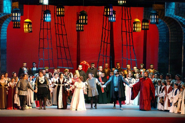 Teatru Astra offering special price Students' Scheme for Otello