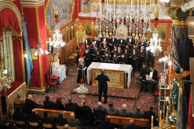 Gaulitanus Choir sings at St Francis Church - Int l –Unur tal-Poplu Taghna