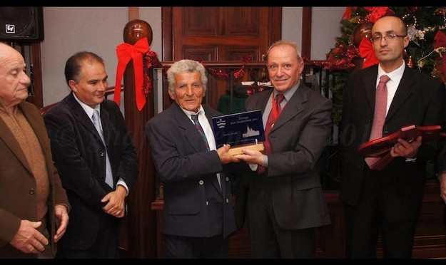 Paul Zerafa presented with the 'Gieh Ghajnsielem' award 2013 edition