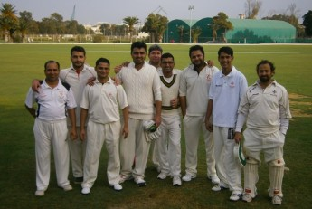 Sharks & Panthers battle it out in 'friendly' 30-overs game