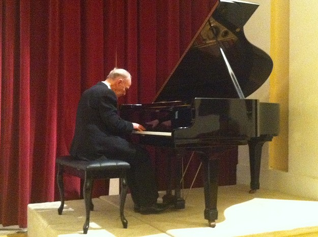 Piano extravaganza opens the Urbanus Concert Series for 2014