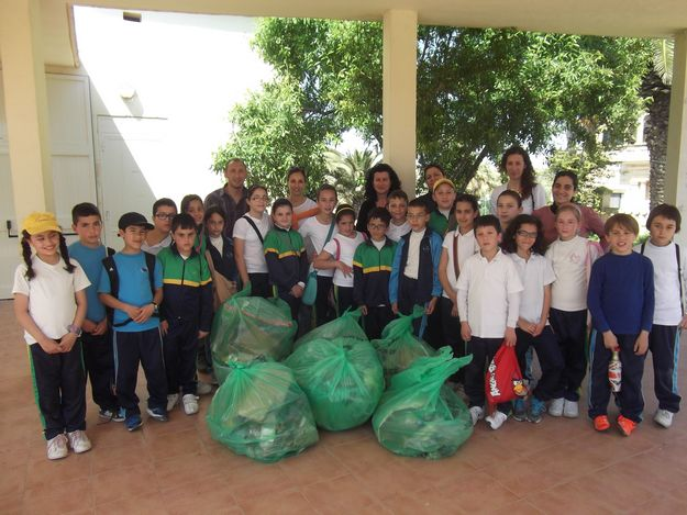 Year 5 class of Sannat Primary & Special Unit take part in Gozo clean-up