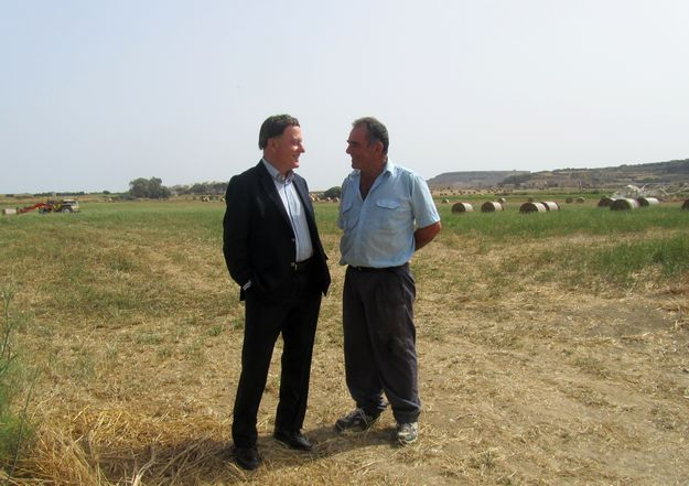 Alfred Sant visits Gozitan tourism and retail establishments and farmers