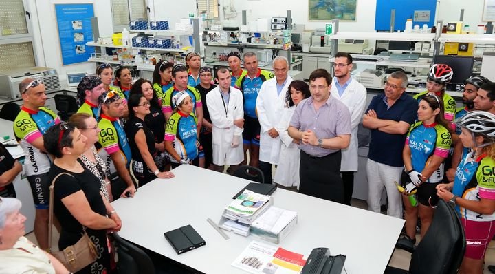 ALIVE 2014 cyclists meet researchers at the University of Malta