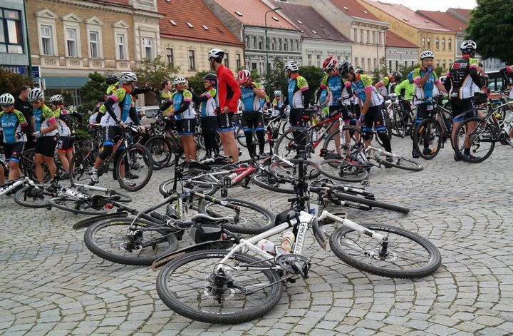 ALIVE Cycling Challenge riders on their way to Gyor in Hungary