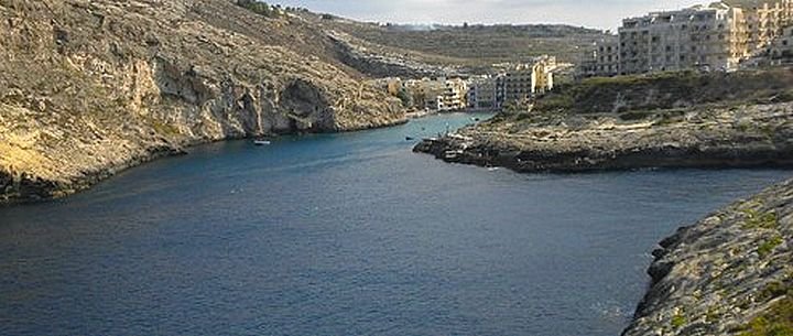 Xlendi Bay torchlight illumination and live entertainment on Saturday