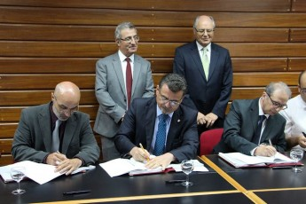 Collective Agreement signed for UoM & Junior College Academic Staff