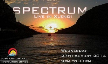 Enjoy summer evenings in Xlendi: Entertainment for all the family