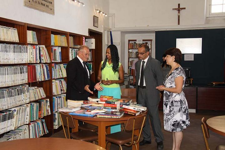 American Ambassador visits Gozo's Central Public Library in Victoria