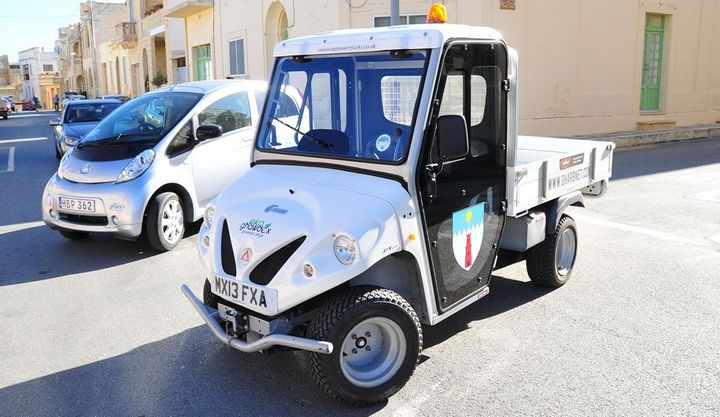 Gozo Minister inaugurates an eco-cab and eco-truck at Gharb