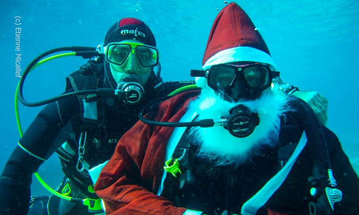 'Take a Photo with Santa Underwater' with ERRC to raise funds for Istrina