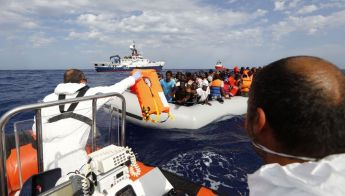Crowdfunding to save migrants at sea: €35,000 raised in one month - MOAS
