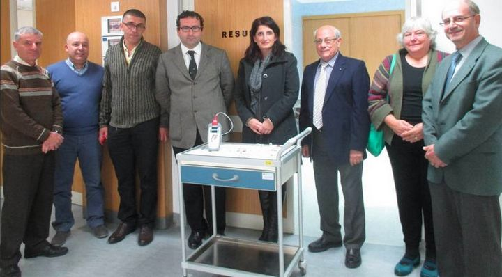 FSEG donates a CO-pulse oximeter to the Gozo General Hospital