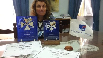 Gozitan weaver Alda Bugeja receives 2 awards for her work in crafts