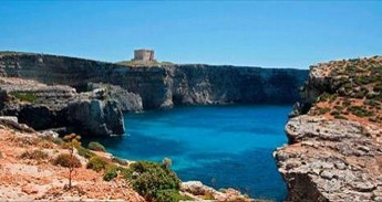 Comino Heritage Trail with Heritage Malta and a professional photographer