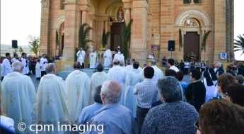 Archbishop Scicluna on his first official visit in the Gozo Diocese