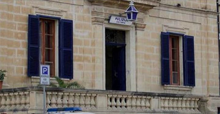 Cyclist grievously injured after being hit by a car in Gharb