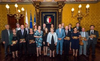 Blood donors in Malta and Gozo presented with recognition award
