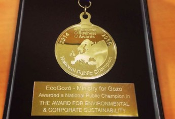 ecoGozo receives a National Public Champion Award at London event