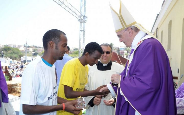 Pope Francis chooses theme for World Day for Migrants & Refugees 2016