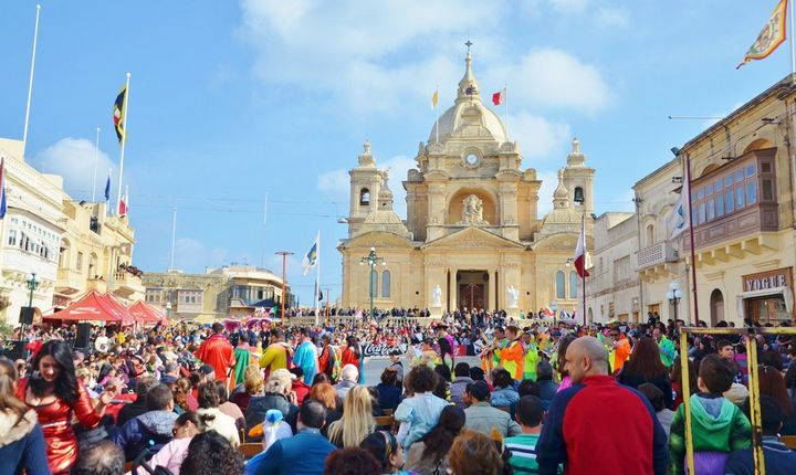 Carnival in Nadur! - Colour, hilarious sketches, dance, costumes & floats