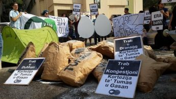 KEA activists protest outside Environment & Resource Authority
