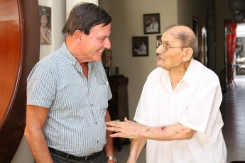 Gozitan centenarian tells Alfred Sant that he still follows current affairs