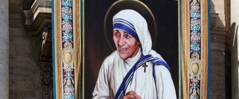 Mother Teresa declared a Saint by Pope Francis in Vatican ceremony