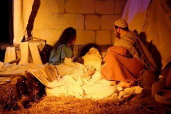 Presepju Suq u Mexxi: Interactive drive-through Nativity scene in Xaghra