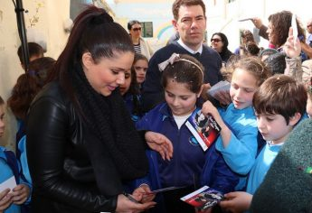 Eurovision runner-up Janice Mangion visits Victoria Primary