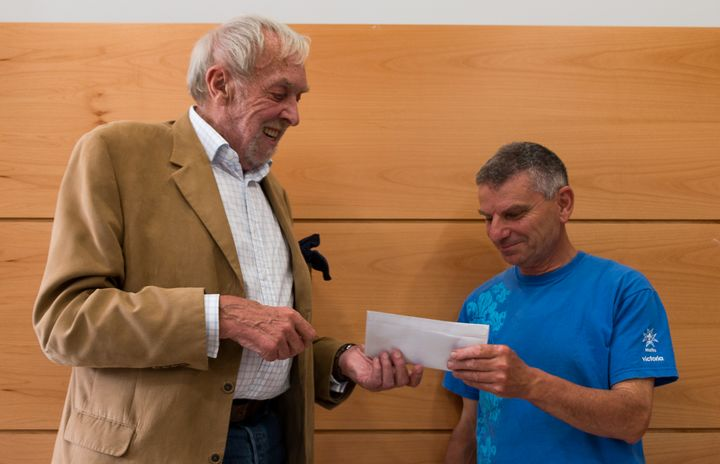Gozo Players donate theatre proceeds to local charity