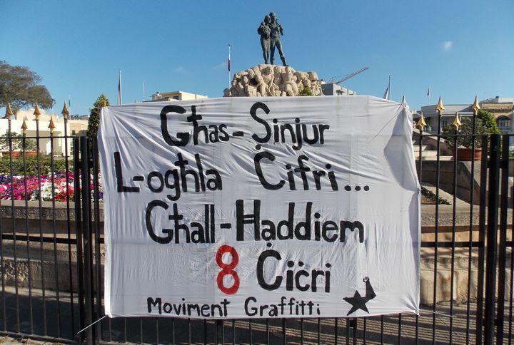 Moviment Graffitti and Zminijietna on the economy & the minimum wage