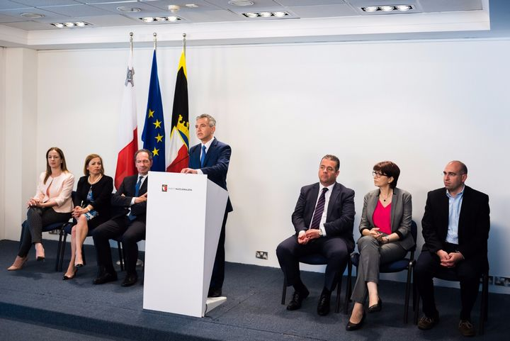 Simon Busuttil and entire PN Party Administration step down