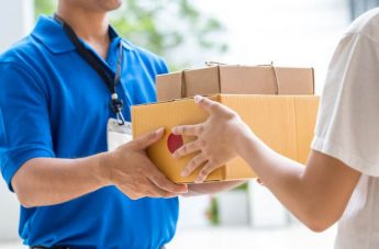 More transparent cross-border parcel delivery services