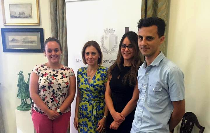 Gozo Minister discusses student issues with Gozo University Group