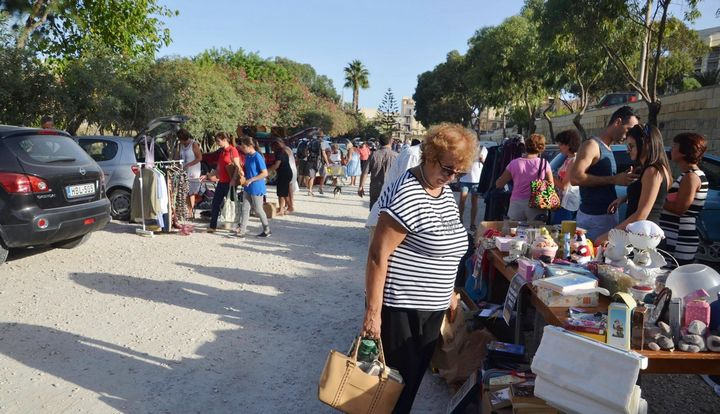Car Boot Sale in Marsalforn for Arka Foundation